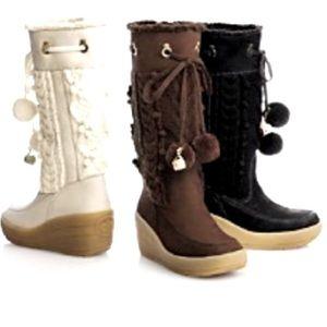 Juicy Couture Snow Bunny Pom Pom boots